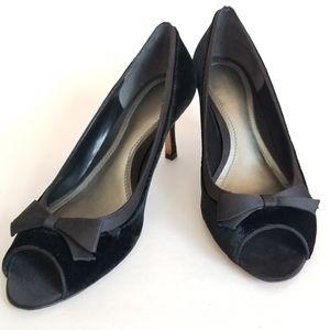 Ann Taylor Velvet Bow Front Heels, Size 8M